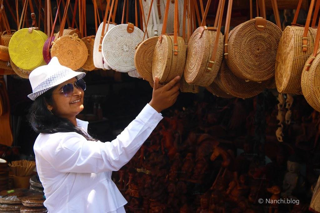 Megha Chhatbar, Nanchi, Roundie Bags, Ubud Market, Bali, Ubud, Indonesia