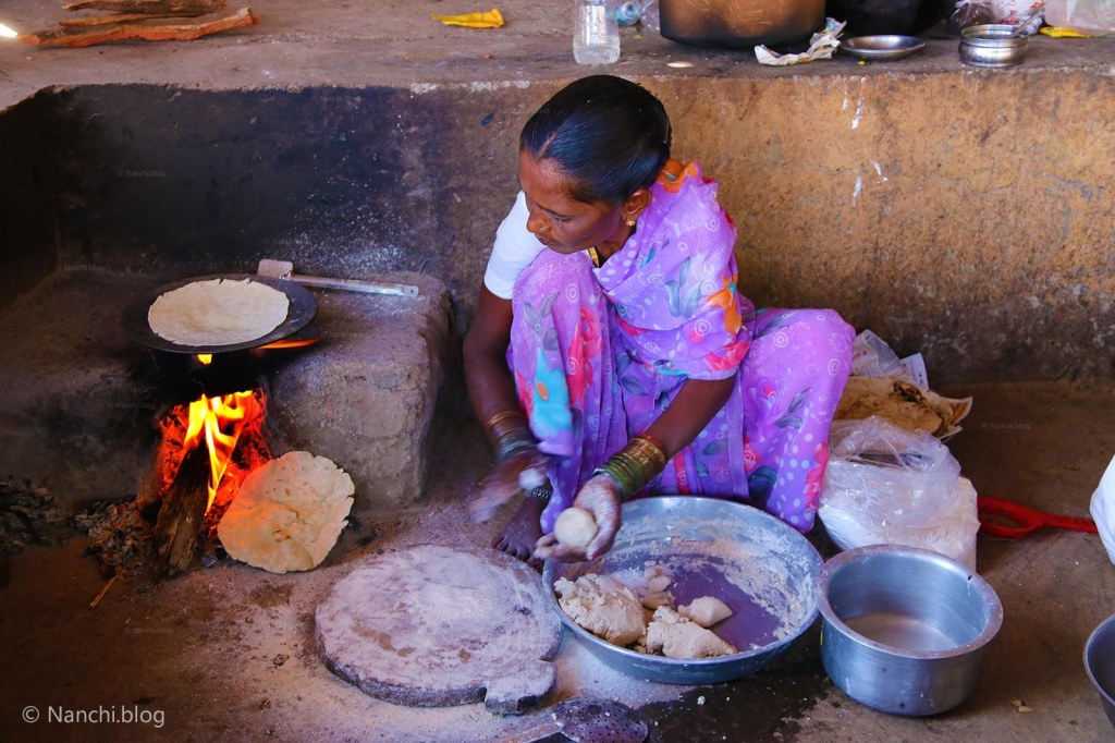 Sinhagad Fort, A Lady making bhakri at Sinhgadh Fort, Pune