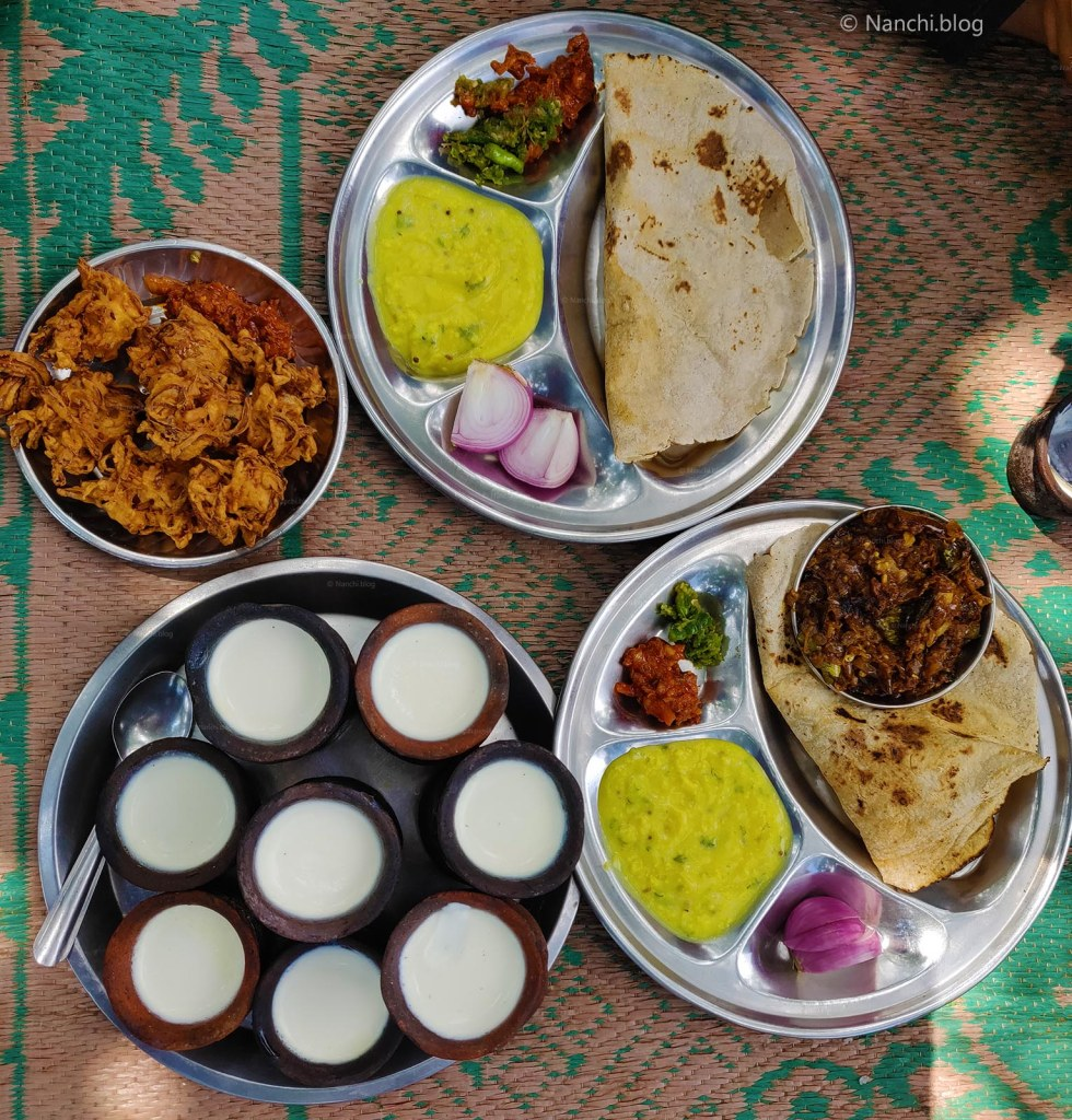 Kanda Bhajiya, Pithala Bhakri, Dahi, Lunch Meal at Sinhagad Fort, Pune