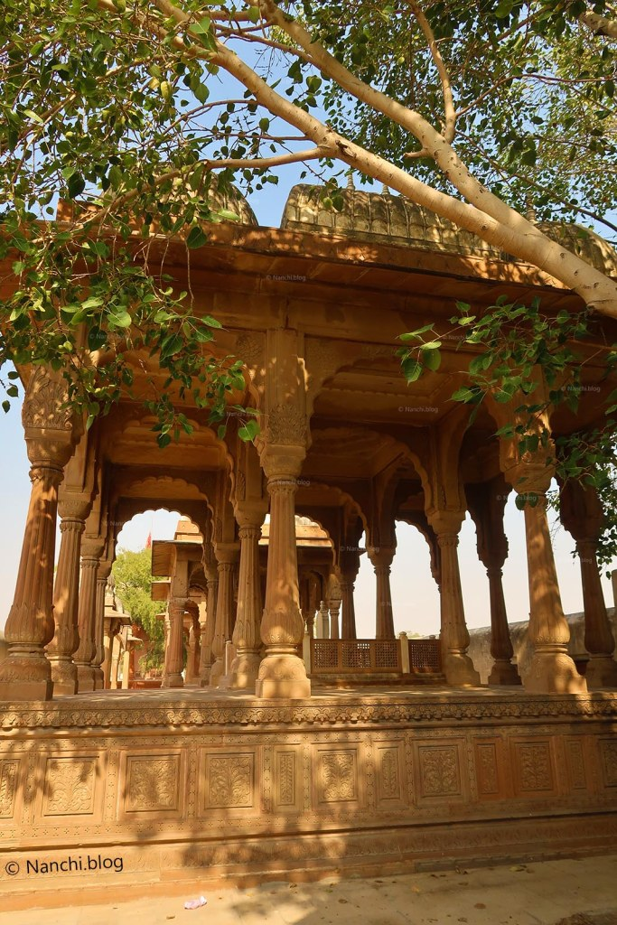 Temple inside The Royal Cenotaphs, Devikund Sagar, Bikaner