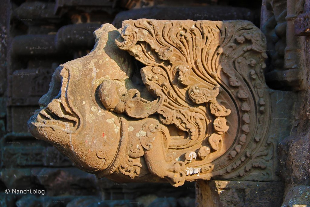 Carved statue, Gondeshwar Temple, Sinnar